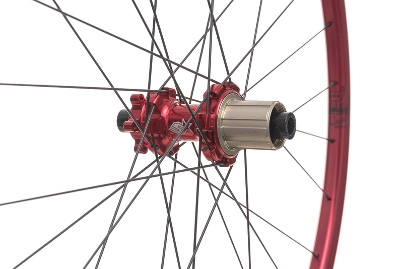 "Spank Oozy Trail 260 Evo Tubeless 27.5"" Wheelset Red drivetrain"