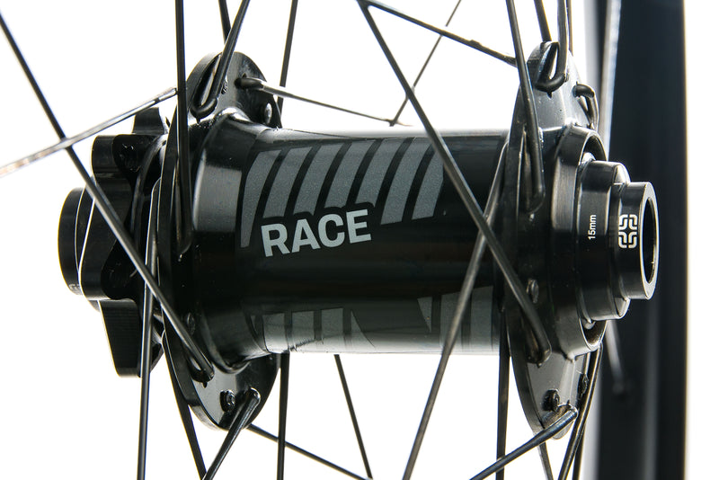 "e*thirteen TRS Race Carbon Tubeless 29"" Wheelset sticker"