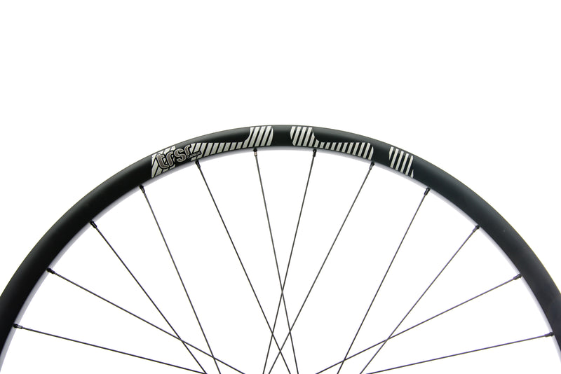 "e*thirteen TRS Race Carbon Tubeless 29"" Wheelset cockpit"