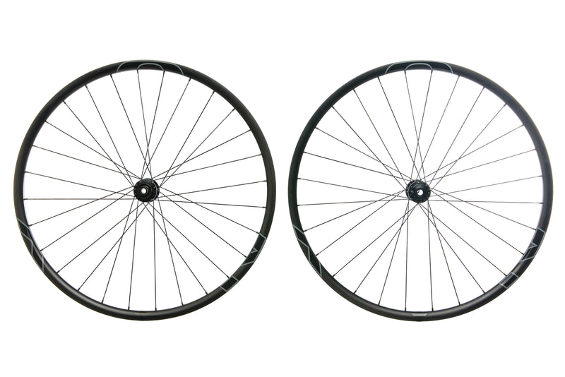 "NOX Skyline Carbon Tubeless 27.5"" Wheelset non-drive side"