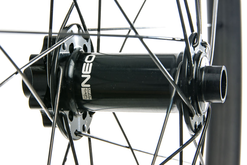 "Stan's NoTubes ZTR Bravo Carbon Tubeless 27.5"" Front Wheel sticker"