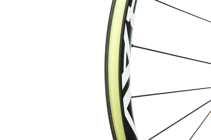 "Stan's NoTubes Bravo Carbon Tubeless 27.5"" Rear Wheel drivetrain"