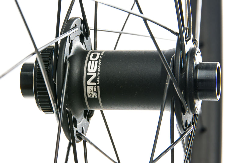 "Stan's NoTubes ZTR Bravo Carbon Tubeless 29"" Front Wheel sticker"