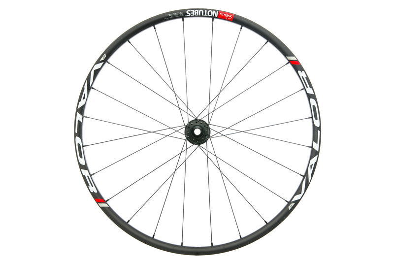 "Stan's NoTubes ZTR Valor Pro Carbon Tubeless 27.5"" Front Wheel drive side"