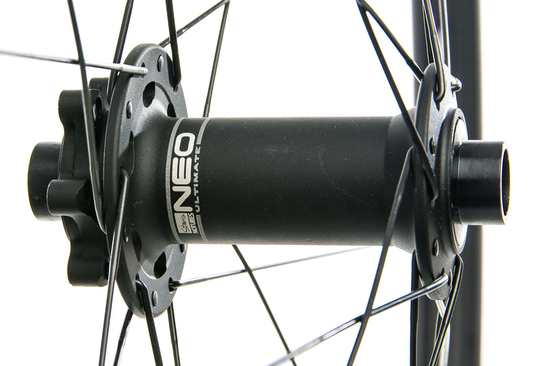 "Stan's NoTubes ZTR Valor Pro Carbon Tubeless 27.5"" Front Wheel sticker"