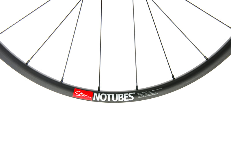 "Stan's NoTubes ZTR Valor Pro Carbon Tubeless 27.5"" Front Wheel front wheel"