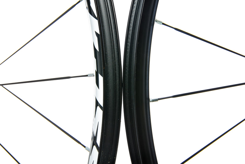 "Mavic Crossride Aluminum Tubeless 29"" Wheelset front wheel"