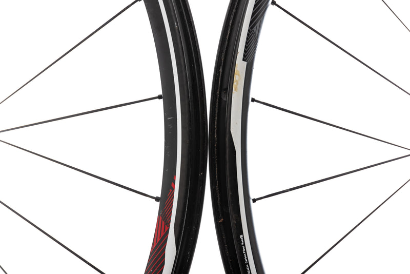 "SRAM Roam 60 Carbon Clincher 29"" Wheelset front wheel"
