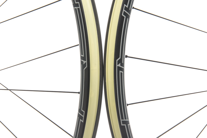 "Stan's NoTubes Arch CB7 Carbon Tubeless 29"" Wheelset front wheel"