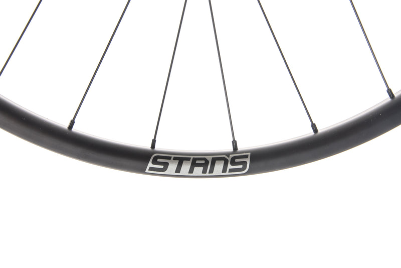 "Stan's NoTubes Arch CB7 Carbon Tubeless 29"" Wheelset crank"
