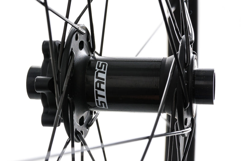 "Stan's NoTubes Arch CB7 Carbon Tubeless 29"" Wheelset sticker"