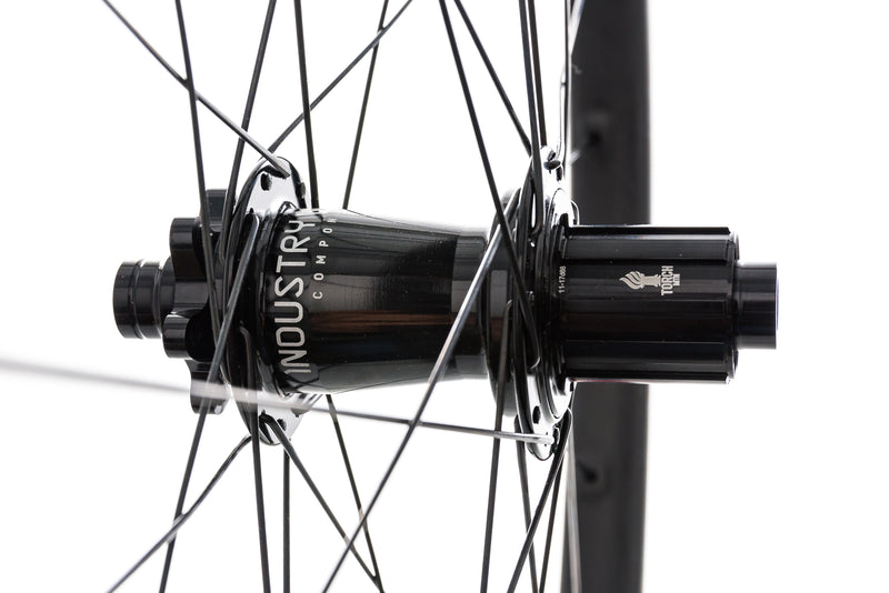 "Santa Cruz Reserve 27 Carbon Tubeless 29"" Rear Wheel sticker"