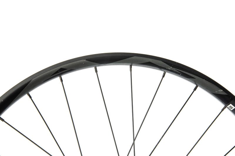 "Giant AM Boost Aluminum Tubeless 27.5"" Front Wheel front wheel"
