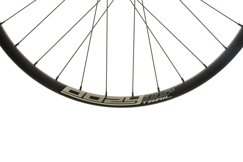 "Spank Oozy Trail 395+ Aluminum Tubeless 27.5"" Wheelset Black cockpit"