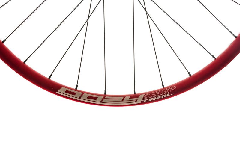 "Spank Oozy Trail 395+ Aluminum Tubeless 29"" Wheelset Red cockpit"