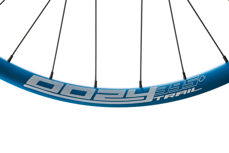 "Spank Oozy Trail 395+ Aluminum Tubeless 29"" Wheelset Blue cockpit"