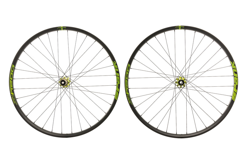 "Spank Oozy Trail 395+ Aluminum Tubeless 29"" Wheelset Green drive side"