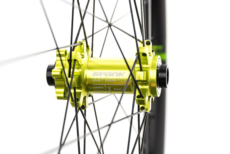 "Spank Oozy Trail 345 Aluminum Tubeless 27.5"" Wheelset Green sticker"