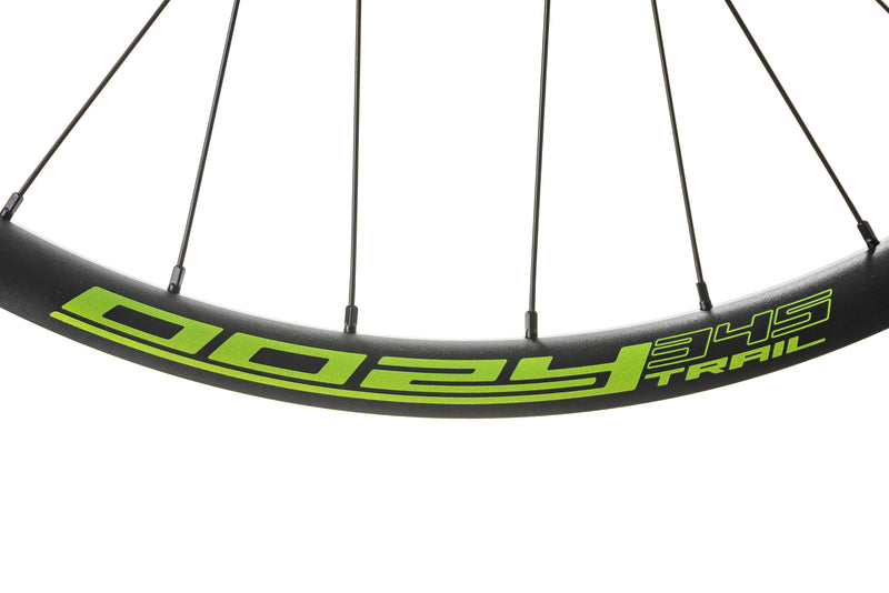 "Spank Oozy Trail 345 Aluminum Tubeless 27.5"" Wheelset Green cockpit"