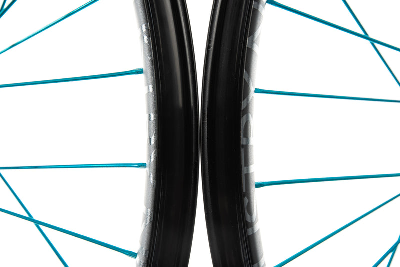 "Industry Nine Enduro 305 Alloy Tubeless 27.5"" Wheelset front wheel"