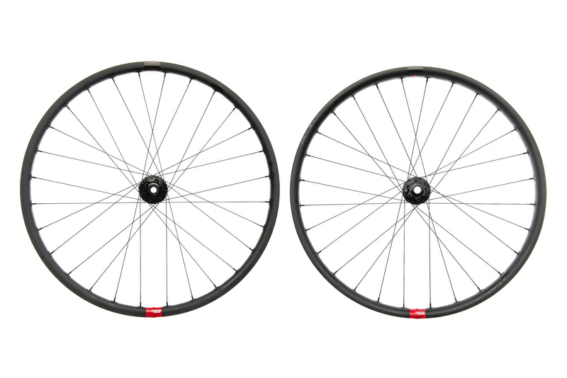 "Santa Cruz Reserve 27 Carbon Tubeless 27.5"" Wheelset non-drive side"