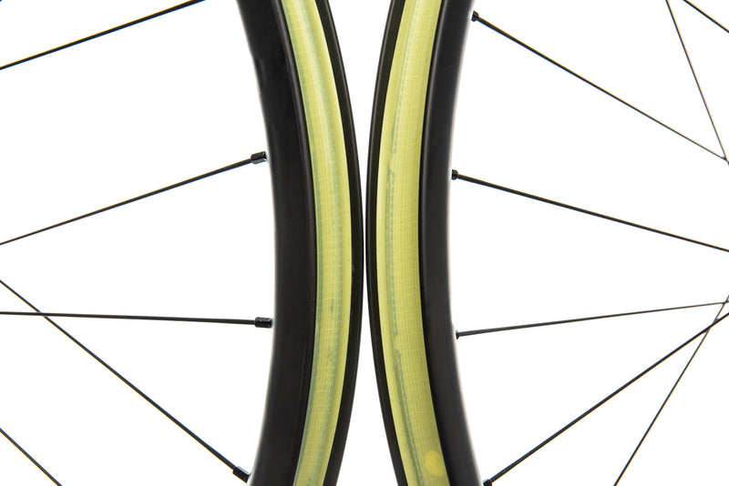 "Santa Cruz Reserve 27 Carbon Tubeless 27.5"" Wheelset front wheel"