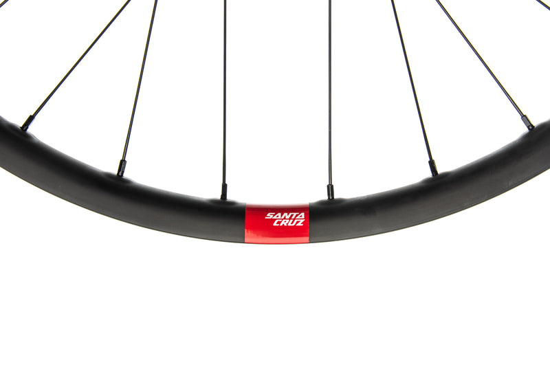 "Santa Cruz Reserve 27 Carbon Tubeless 27.5"" Wheelset cockpit"