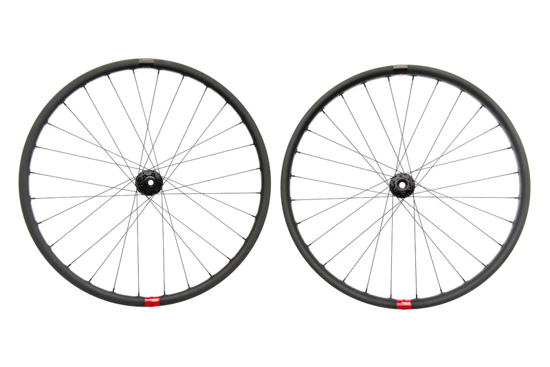 "Santa Cruz Reserve 27 Carbon Tubeless 29"" Wheelset non-drive side"