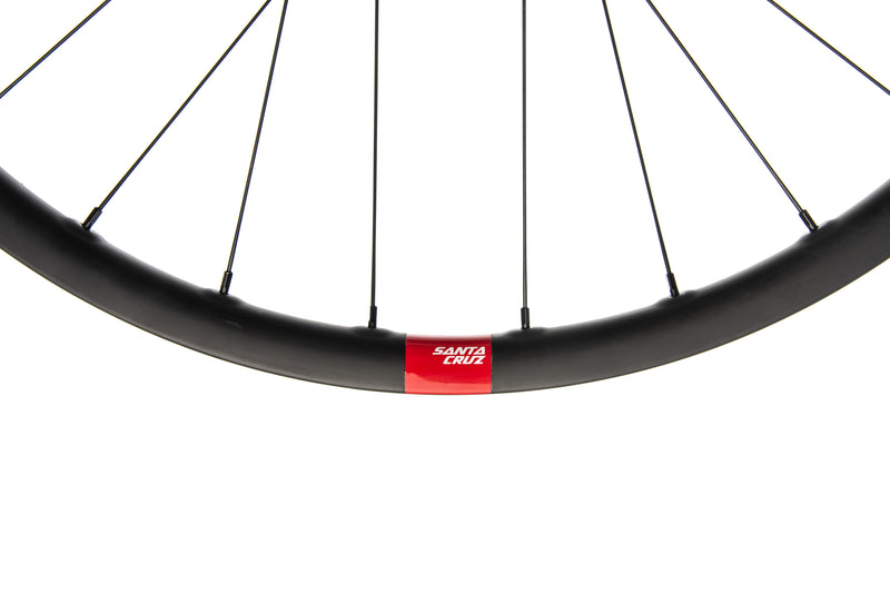 "Santa Cruz Reserve 27 Carbon Tubeless 29"" Wheelset cockpit"