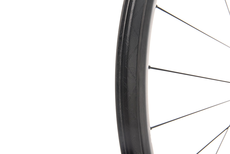 "Roval Traverse SL Carbon Tubeless 29"" Front Wheel drivetrain"