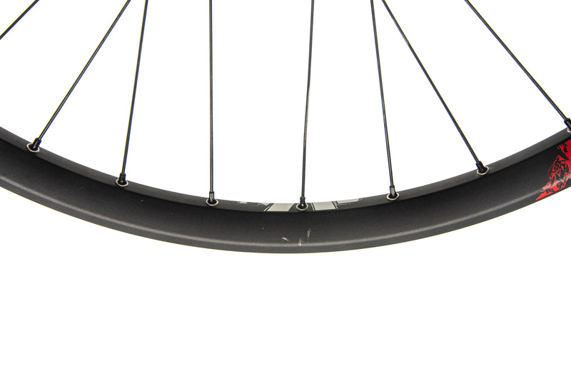 "DT Swiss FR Gravity Classic Alloy Tubeless 27.5"" Front Wheel cockpit"