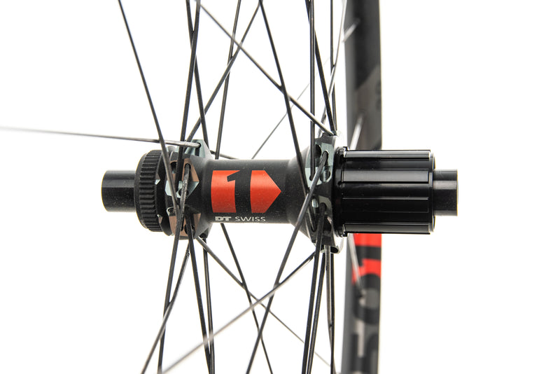 "DT Swiss XM 1501 Spline One 25 Aluminum Tubeless 29"" Wheelset sticker"