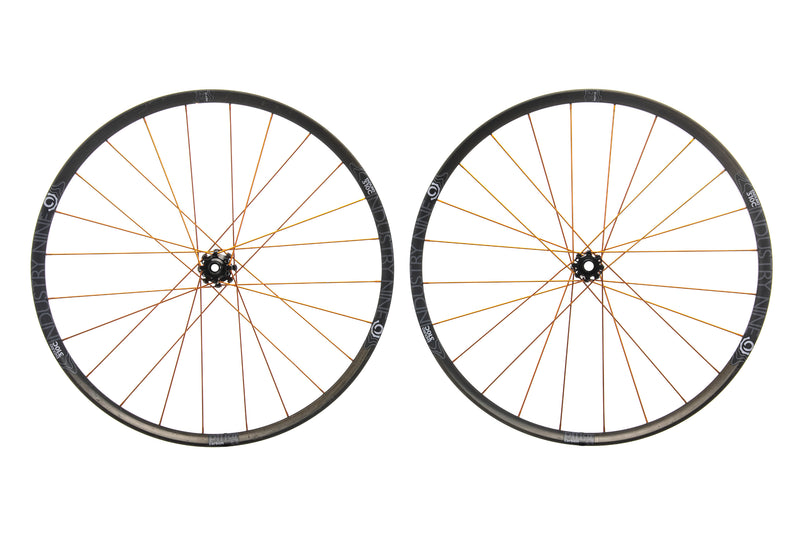 "Industry Nine Enduro 310c Carbon Tubeless 29"" Wheelset non-drive side"