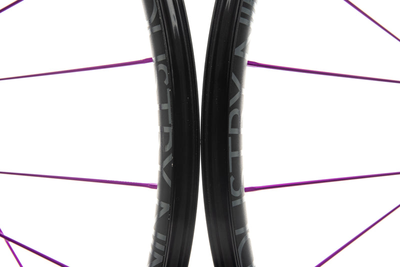 "Industry Nine Ultralite 235 Alloy Tubeless 29"" Wheelset front wheel"