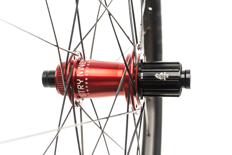 "Dirt Components Rough Country Carbon Tubeless 27.5"" Wheelset sticker"