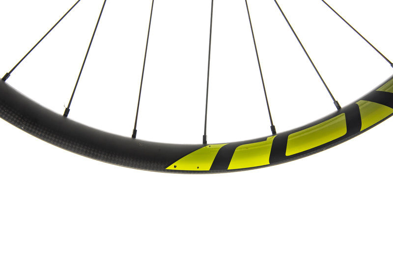 "Roval Traverse 38 Carbon Tubeless 27.5"" Wheelset detail 1"