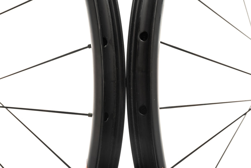 "NOX Teocalli Carbon Tubeless 29"" Wheelset front wheel"