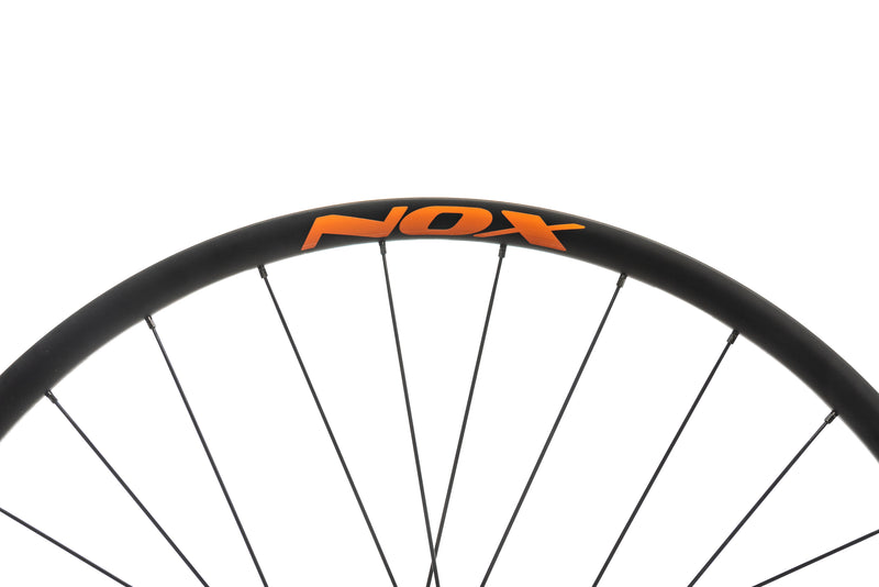 "NOX Teocalli Carbon Tubeless 29"" Wheelset cockpit"