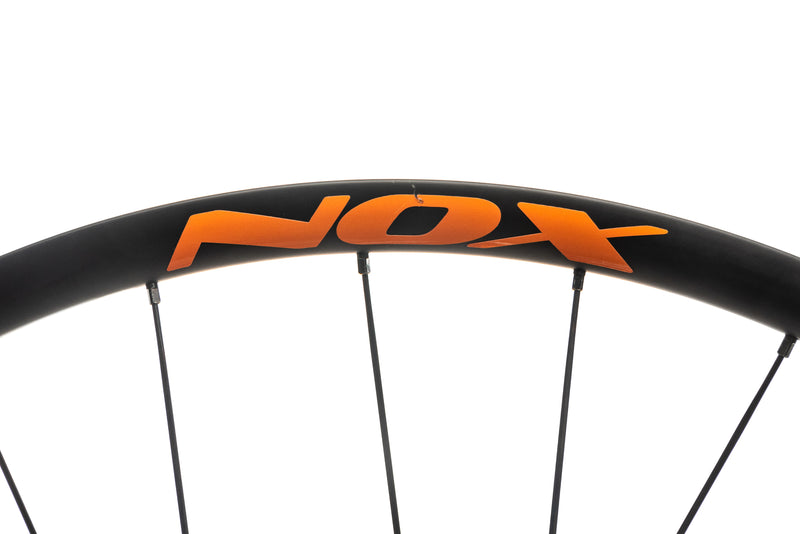"NOX Teocalli Carbon Tubeless 29"" Wheelset detail 1"