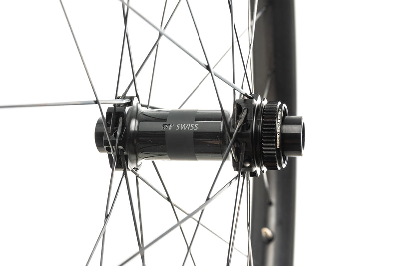 "Reynolds Plus 407 Carbon Tubeless 27.5"" Wheelset drivetrain"