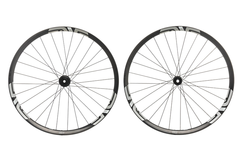 "ENVE M630 Carbon Tubeless 29"" Wheelset drive side"