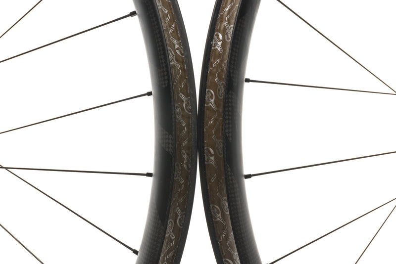 "Roval Traverse SL Fattie Carbon Tubeless 27.5"" Wheelset front wheel"