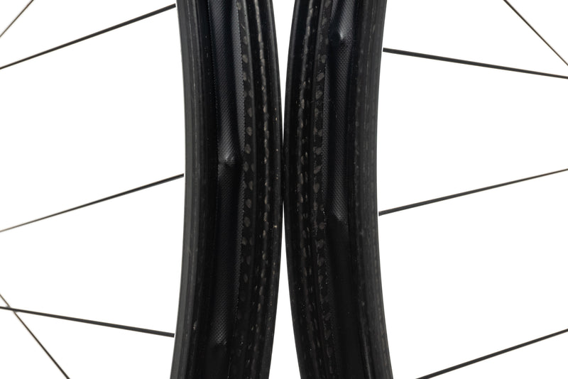 "Zipp 3Zero Moto Carbon Tubeless 29"" Wheelset front wheel"