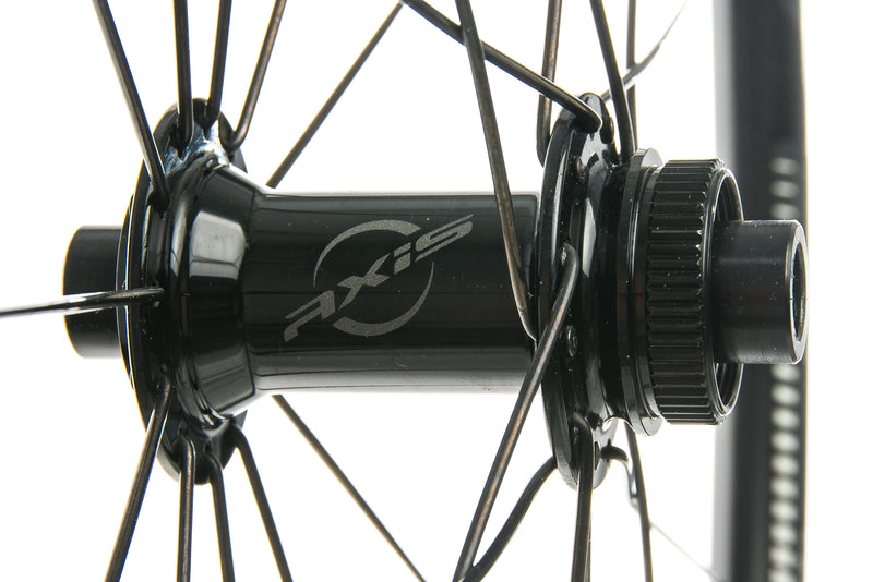 DT Swiss R470 db Aluminum 700c Wheelset sticker