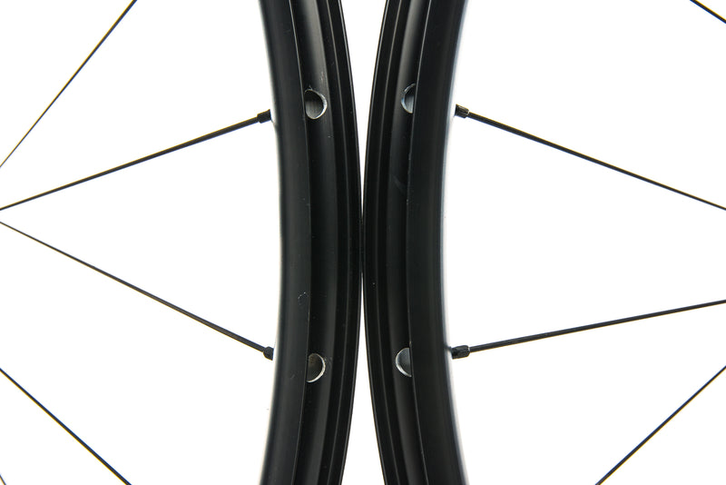 DT Swiss R470 db Aluminum 700c Wheelset front wheel