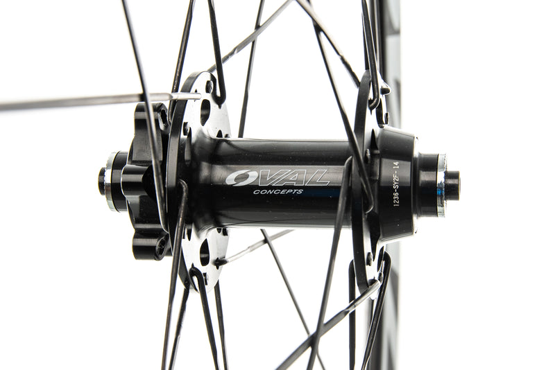 Oval Concepts 946 CX Carbon Tubular 700c Wheelset drivetrain
