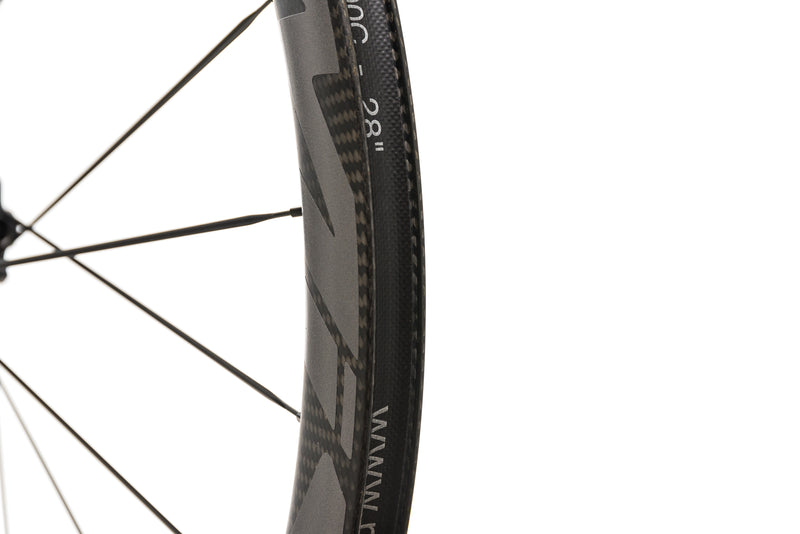 Mavic Cosmic Pro Carbon SL Disc Clincher 700c Front Wheel drivetrain