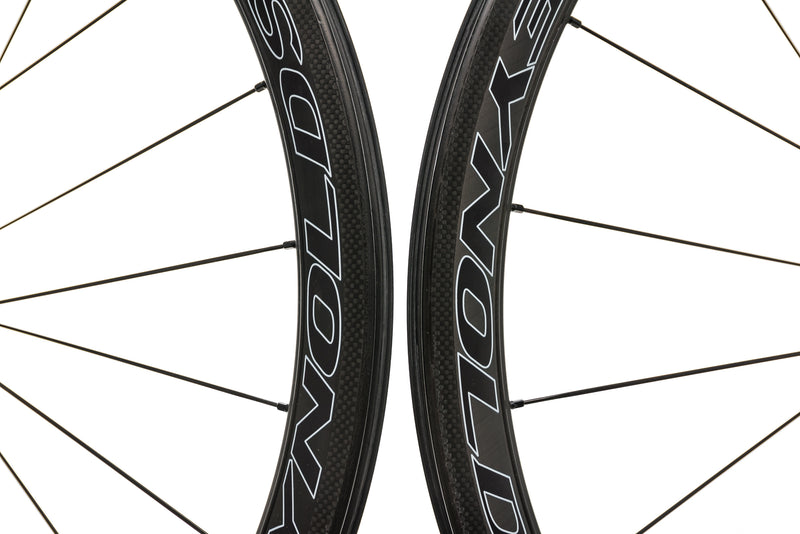 Reynolds Assault SLG Carbon Clincher 700c Wheelset front wheel