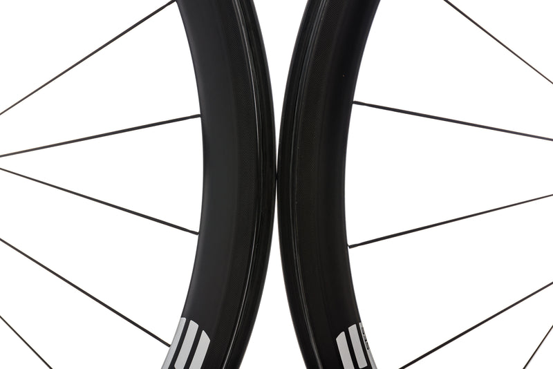 ENVE SES 3.4 Carbon Tubeless 700c Wheelset front wheel