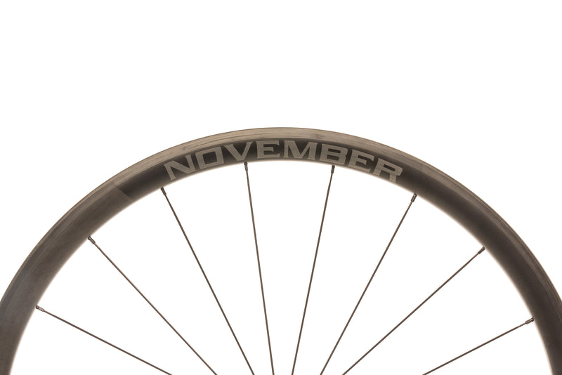 November Rail 34 Carbon Clincher 700c Wheelset cockpit
